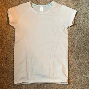 Ivivva tee shirt in perfect condition